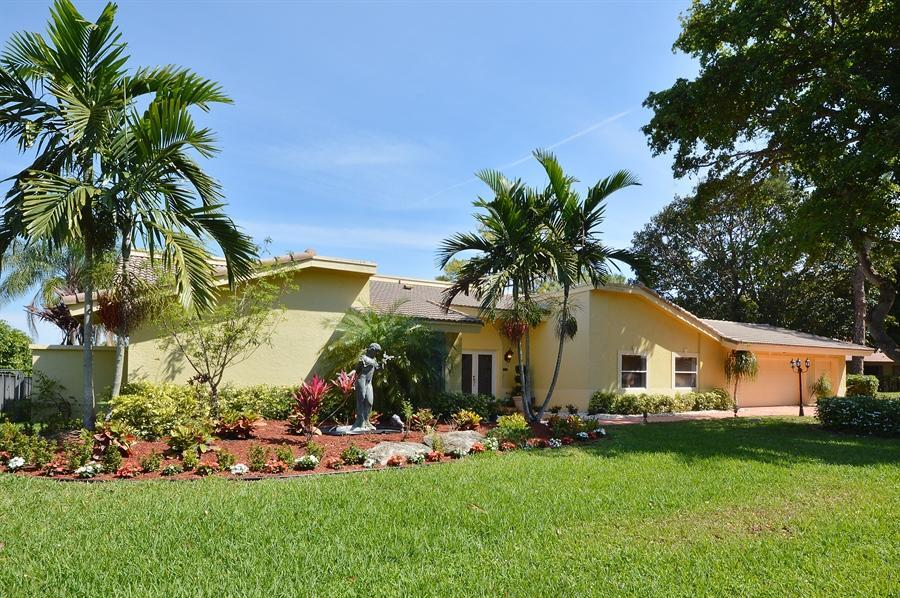 MLS® #RX-10121969 - Pet Friendly Home Property for Sale at 4869 Pineview Cir, Delray Beach, FL - 33445
